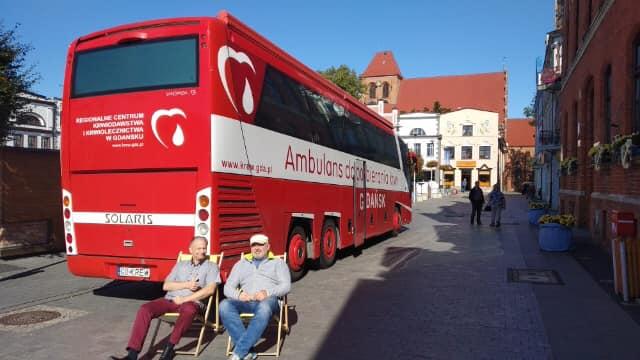 Krwiodawcy na Starym Rynku w Pucku | fot. Klub Honorowych Dawców Krwi w Pucku