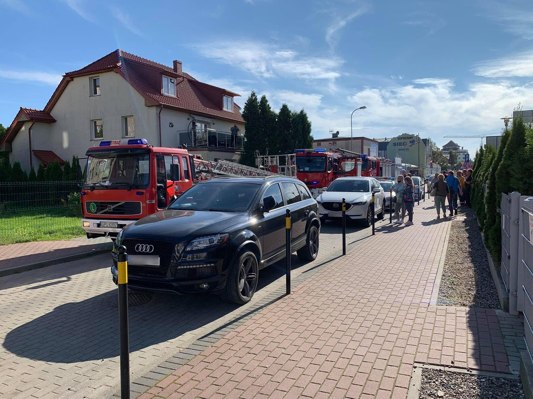 Pożar we Władysławowie: wstawił obiad na kuchenkę i zasnął | ZDJĘCIA