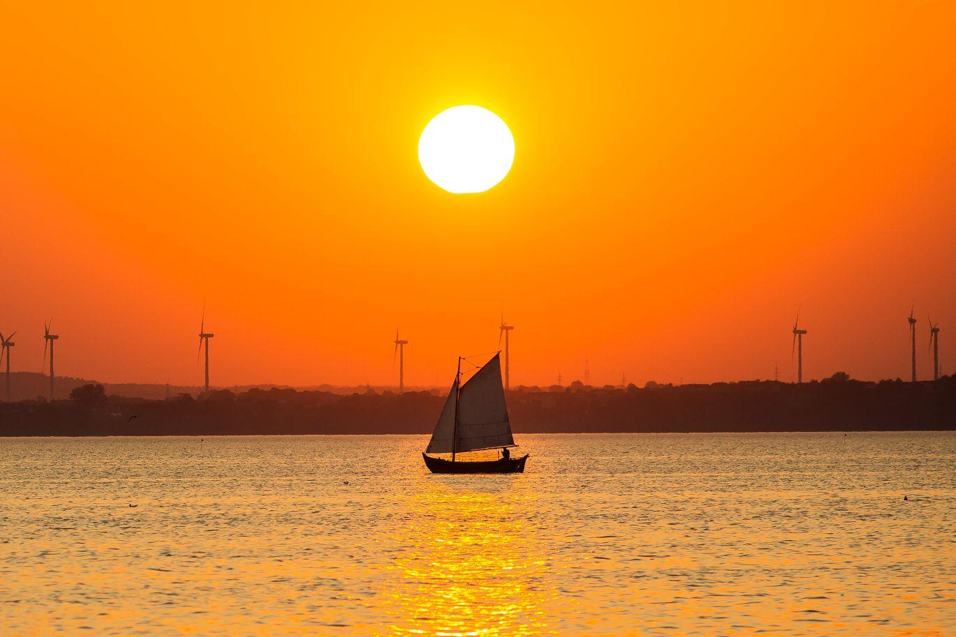 Zachód słońca w Chałupach i nad Zatoką Pucką | Foto Powiat Pucki