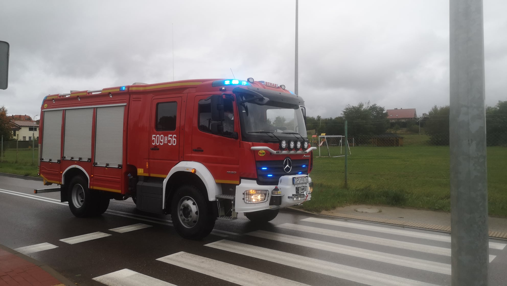 OSP Kosakowo ma nowy wóz. To Mercedes GBA za 850 tysięcy złotych | ZDJĘCIA