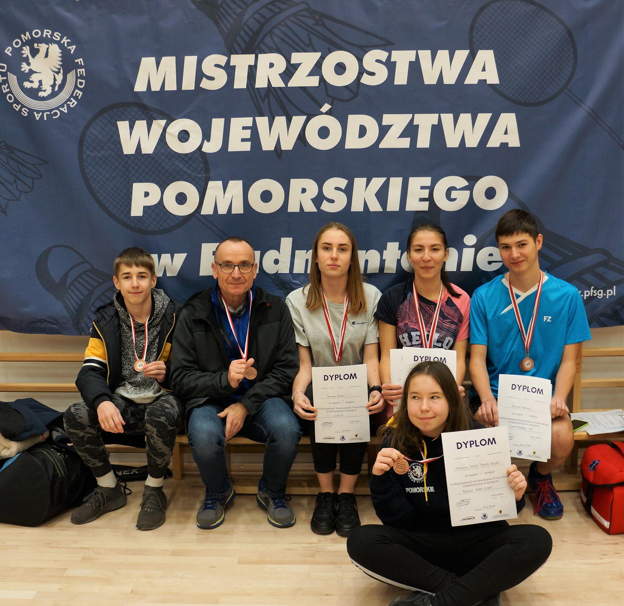 UKS Bliza Władysławowo na Mistrzostwach Województwa Pomorskiego w Badmintonie (2020). Są medale!