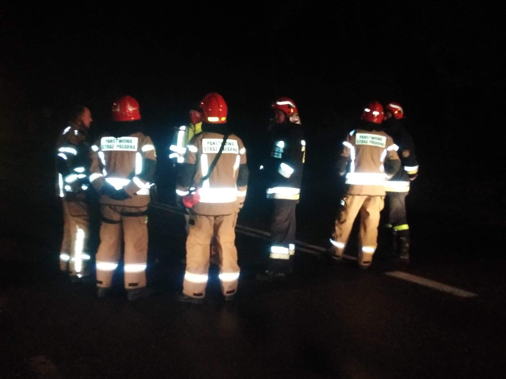 Pożar w Helu. OSP musiało ewakuować mieszkańca. Wezwano śmigłowiec LPR | ZDJĘCIA