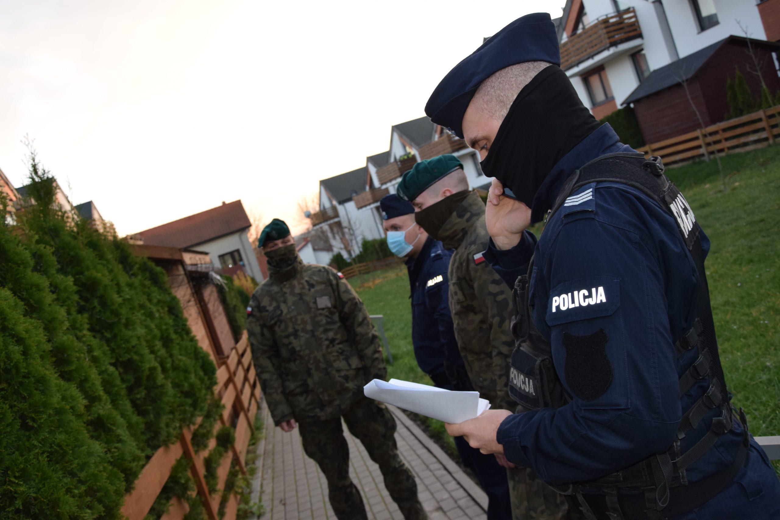 Powiat pucki: na Wielkanoc 2021 zostańcie w domach, apelują policjanci z Pucka
