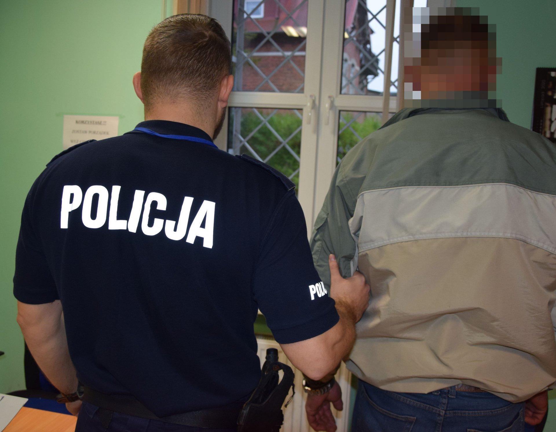 Pucka policja zatrzymała dwóch poszukiwanych. Gość z Wejherowa zgłosił się sam | NADMORSKA KRONIKA POLICYJNA