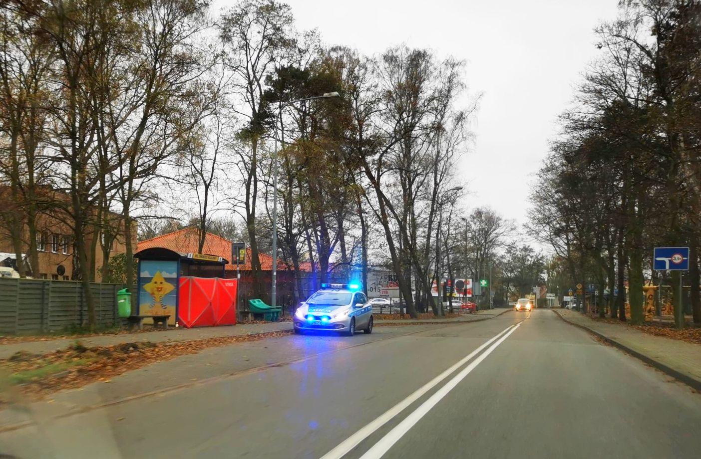 Hel: śmierć na przystanku autobusowym. Zmarł 65-letni mieszkaniec Półwyspu Helskiego | Nadmorska Kronika Policyjna