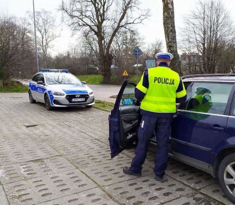 Bezpieczny Pieszy (2020) w powiecie puckim. Policyjne kontrole przy przejściach – kierowcy, uważajcie