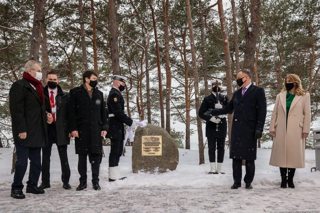 Prezydent Andrzej Duda w Helu tablica
