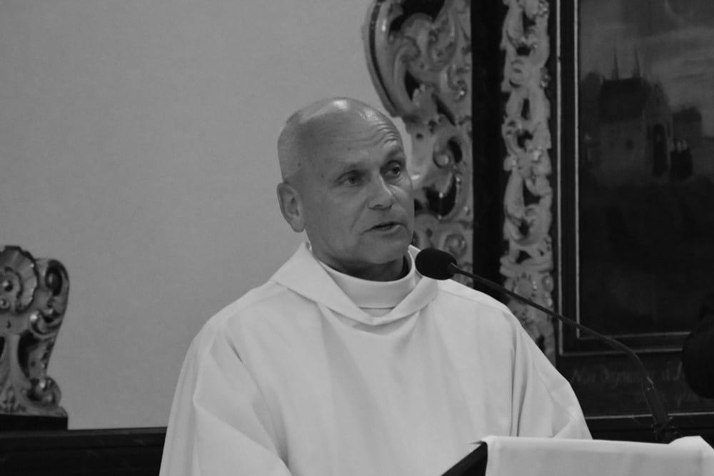 W piątek pogrzeb ks. Krzysztofa Stachowskiego. W Żarnowcu msza, potem pochówek. Jest apel starosty Jarosława Białka
