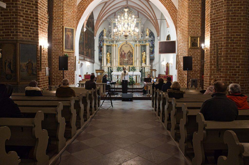 101. rocznica Zaślubin Polski z Morzem - koncert w kościele w Pucku