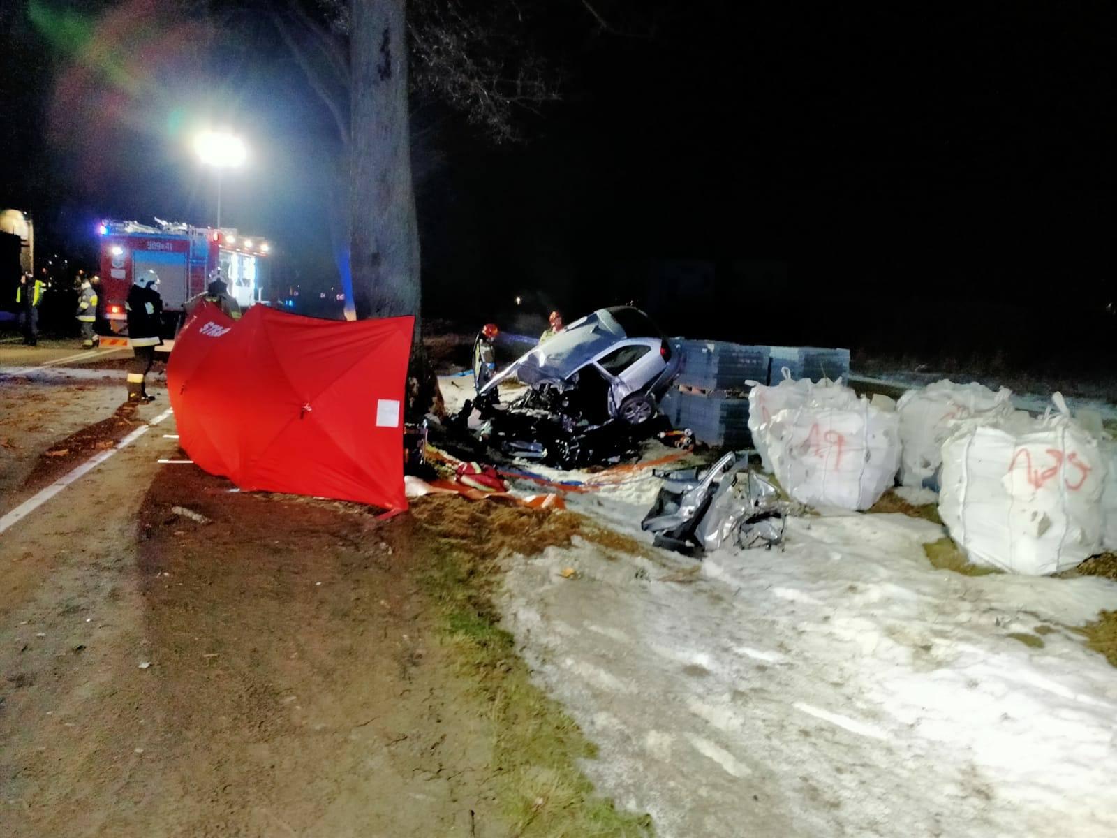 Wypadek w Rekowie Górnym. Na miejscu zginął 26-latek z gminy Puck | Nadmorska Kronika Policyjna