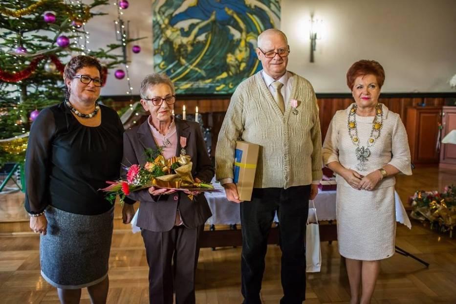 Złote Gody w Pucku i gminie Puck (2017). Święto małżeństw puckim ratuszu | ZDJĘCIA