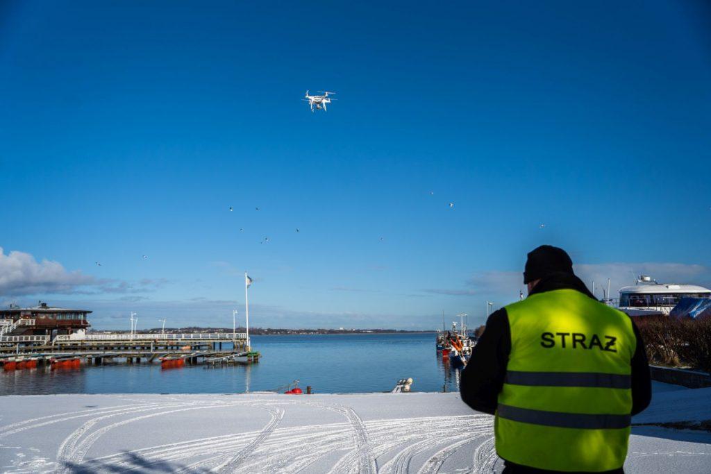 Ptasia grypa, powiat pucki - OSP Karwia z dronem
