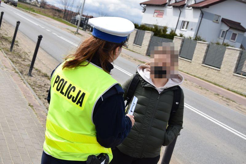 Powiat pucki: przechodzisz przez pasy i korzystasz z telefonu? Uważaj na policję