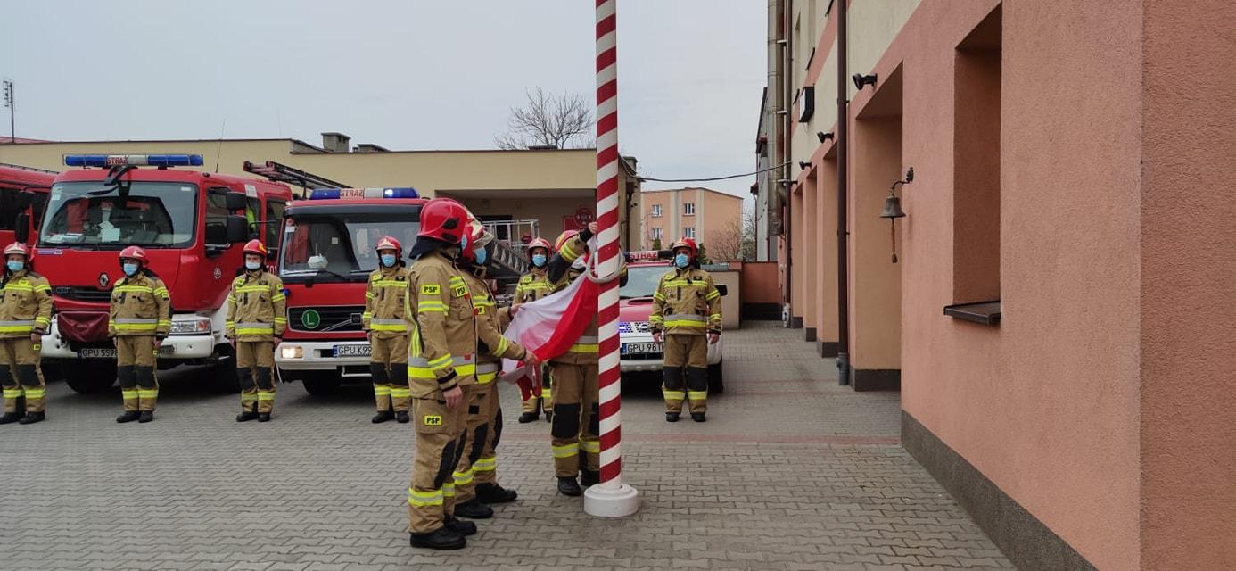 Dzień Flagi 2021 u puckich strażaków. Gala na placu KP PSP Puck | ZDJĘCIA