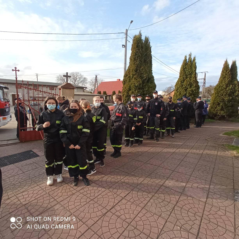 Dzień Strażaka w Łebczu (2021). W ciężkim roku spotkali się na mszy | ZDJĘCIA