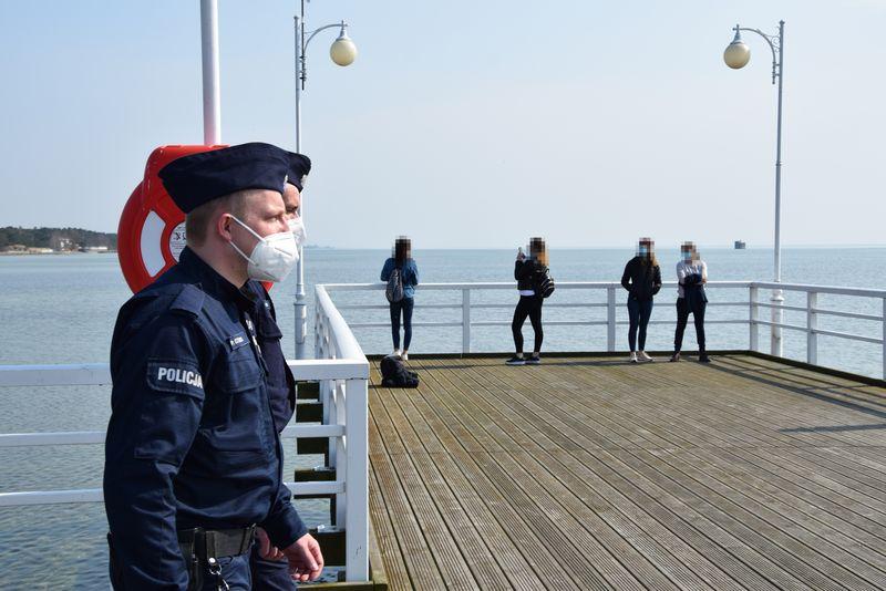 nadmorska kronika policyjna patrole covid