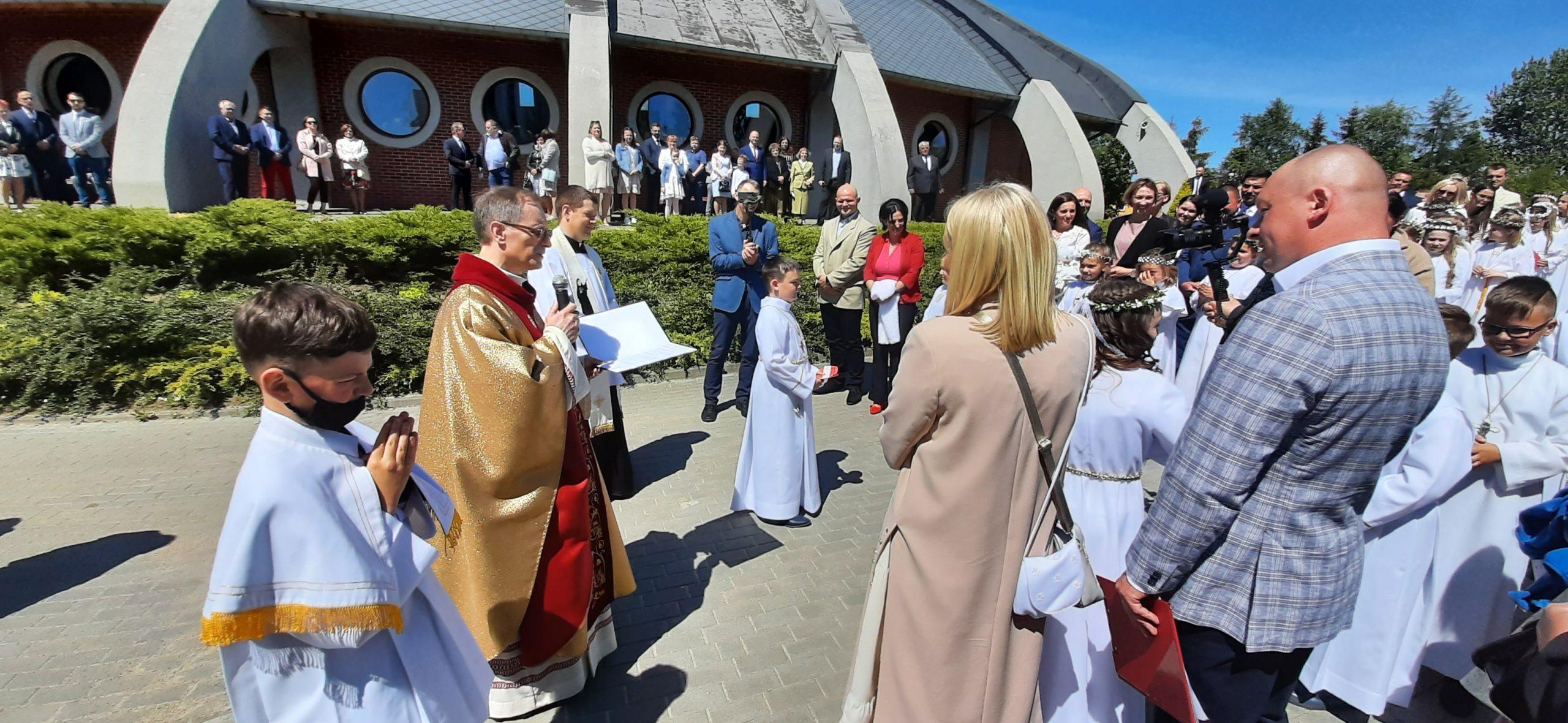 Puck, Pierwsza Komunia święta (30.05.2021) w Przystani Miłosierdzia;  Parafia św. Faustyny Kowalskiej w Pucku | FOTO, WIDEO