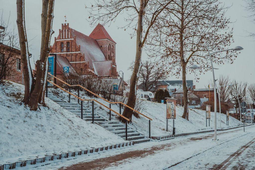 kościół puck zima 2021