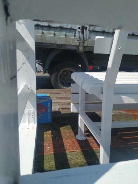 puck ciężarówka molo zniszczone