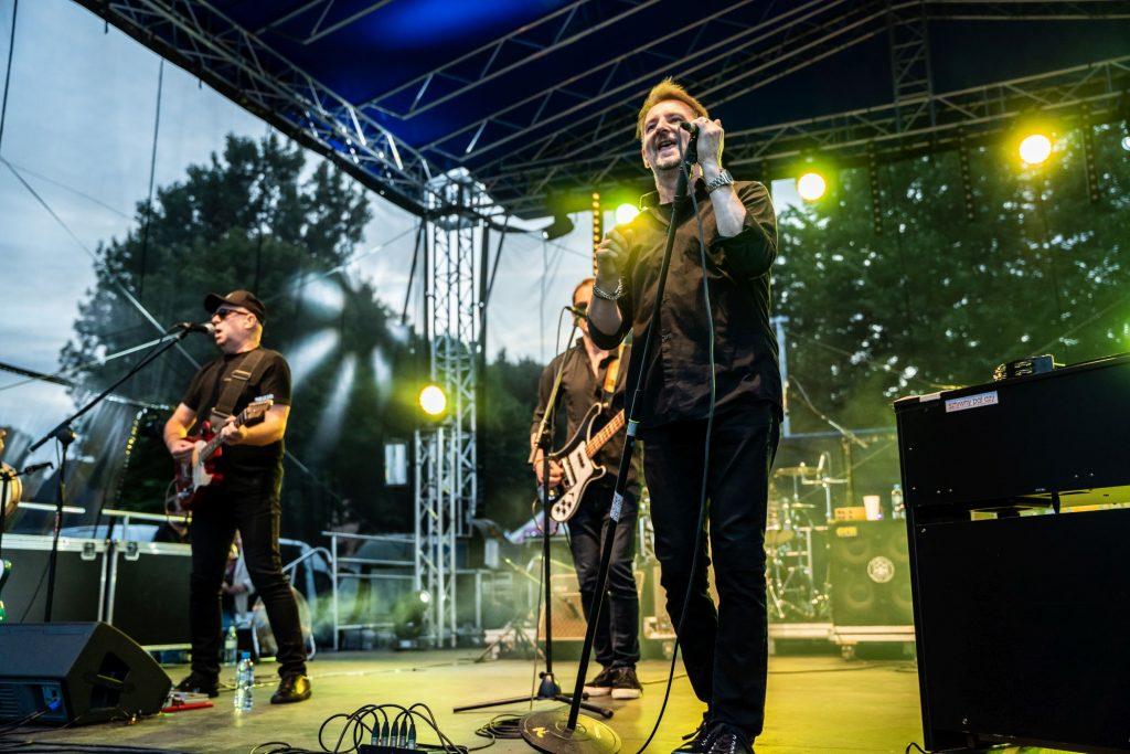 SztywnyPal Azji Puck koncert zielona plaża